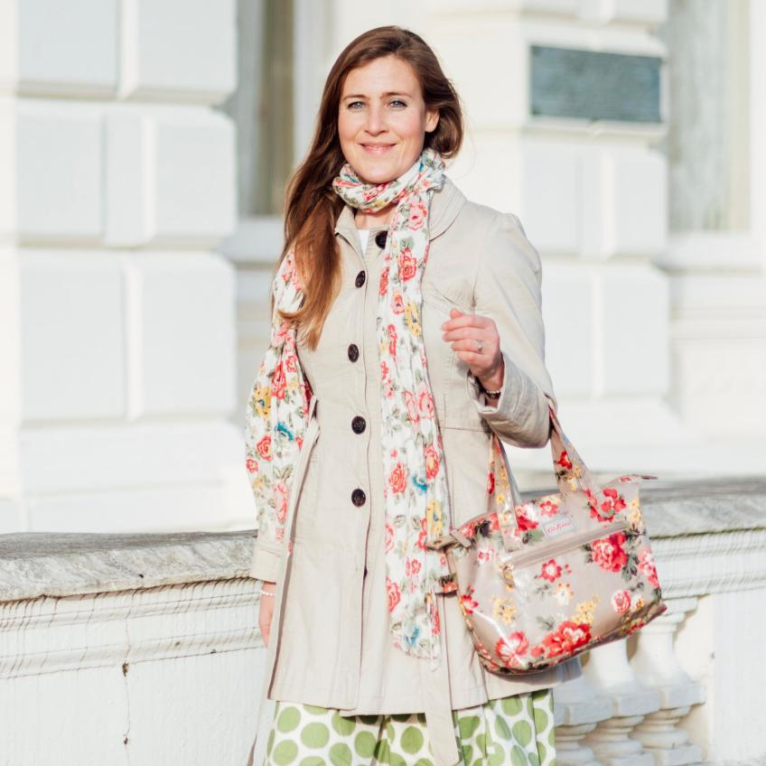laura-rimmer-vip-intensive-day-coaching-walking-cath-kidston-boden-skirt